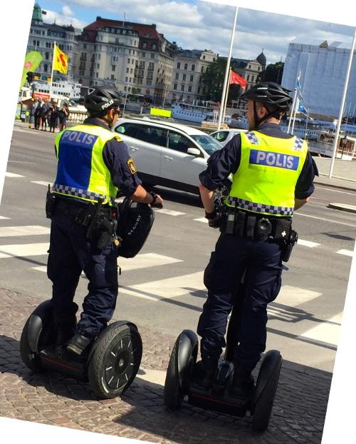 Segway Patrol, empleado por la policia de Estocolmo (Suecia) para patrullar las calles