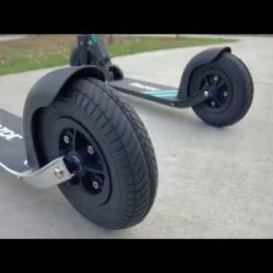 Razor A5 Air: el patinete de ruedas neumáticas de Razor